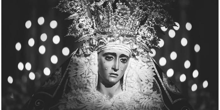 SOLEMNE BESAMANOS A NUESTRA SEÑORA DE LA ESPERANZA CORONADA.